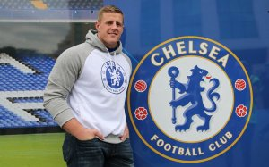 24/5/2015 Stamford Bridge London UK Houston Texan's NFL Defensive player of the Year and Chelsea Fan   JJ Watt  pictured Pre Game Outside Stamford Bridge    Picture Dave Shopland /NFL UK